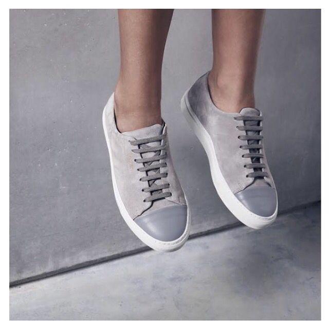 953f22c7e8a Axel Arigato Foot Toe