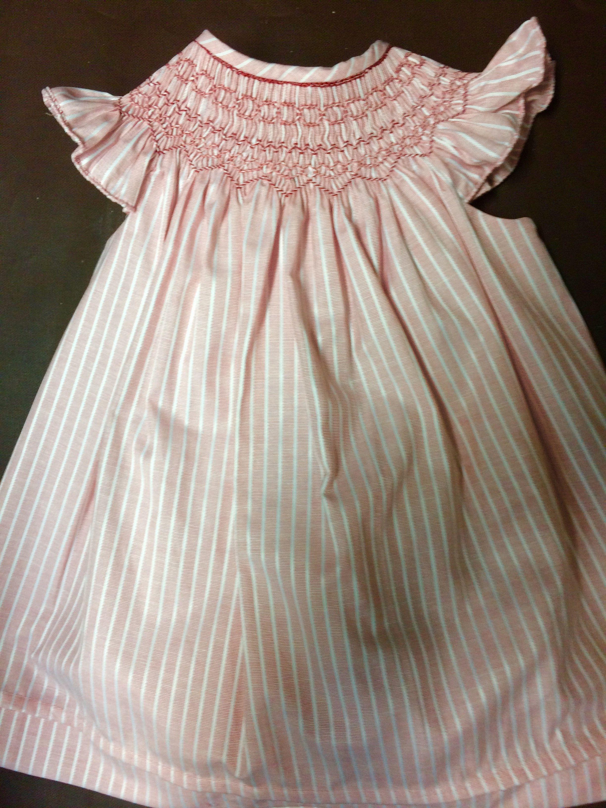 bfef8fe35 Algodón de rayas rosa viejo y blanco. Jesusito bordado en rosado. Alumna  Mayo 2017