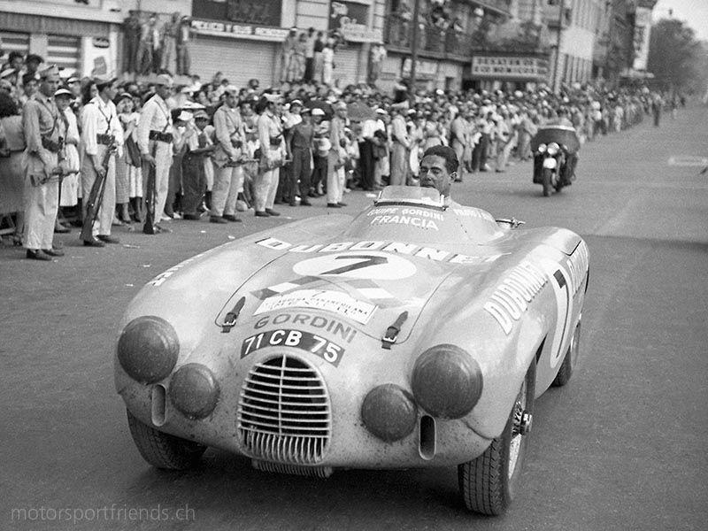 1953 mexico iv carrera panamericana jean behra arrives for Garage jean behra