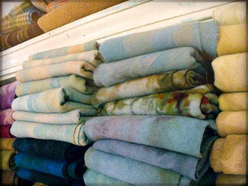 wool, wool and more wool.  karen kahle's marbleized wool art.