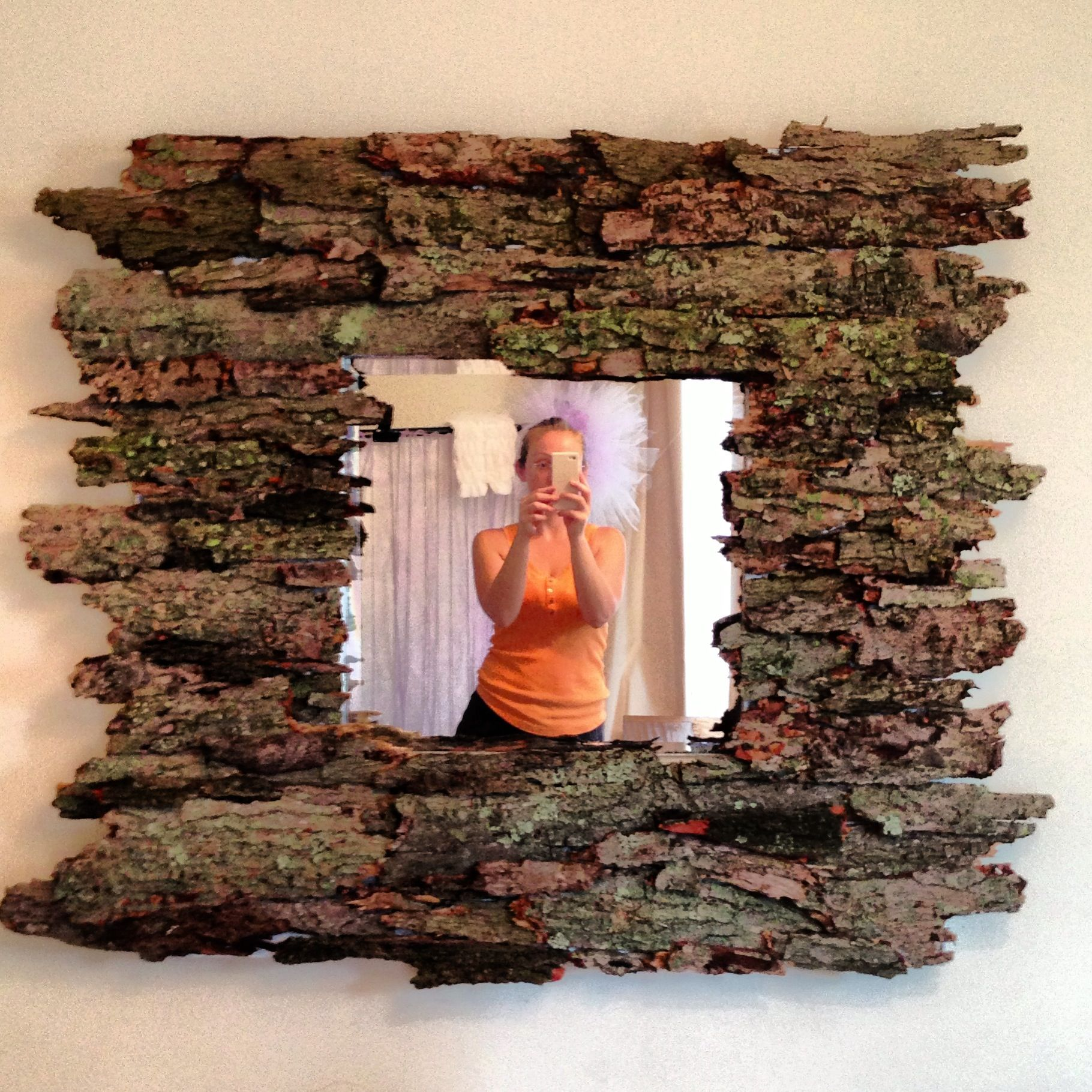 Home diy tree bark mirror rustic home diy with tree for What to make with tree logs