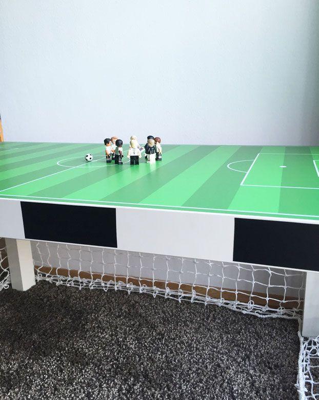 Fu ballzimmer die besten ideen f r mini kicker und echte fu ballfans jungenzimmer for Fussballtor kinderzimmer