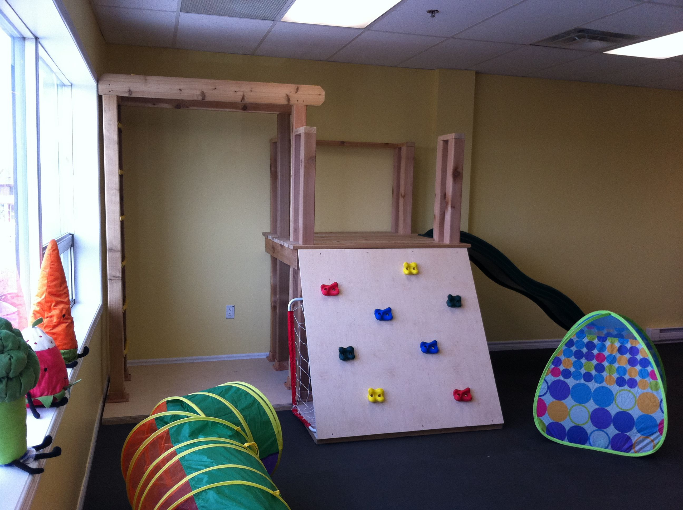 More indoor monkey bar ideas kids 39 room ideas for Indoor playground design ideas