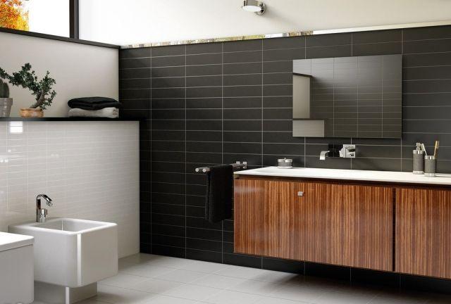 badezimmer-farben-wandfliesen-schwarz-weiss-holz-waschtisch - badezimmer unterschrank weiss