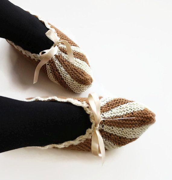 Hey, j'ai trouvé ce super article sur Etsy, chez https://www.etsy.com/ca-fr/listing/258981378/tricoter-chaussons-chaussures-de-maison