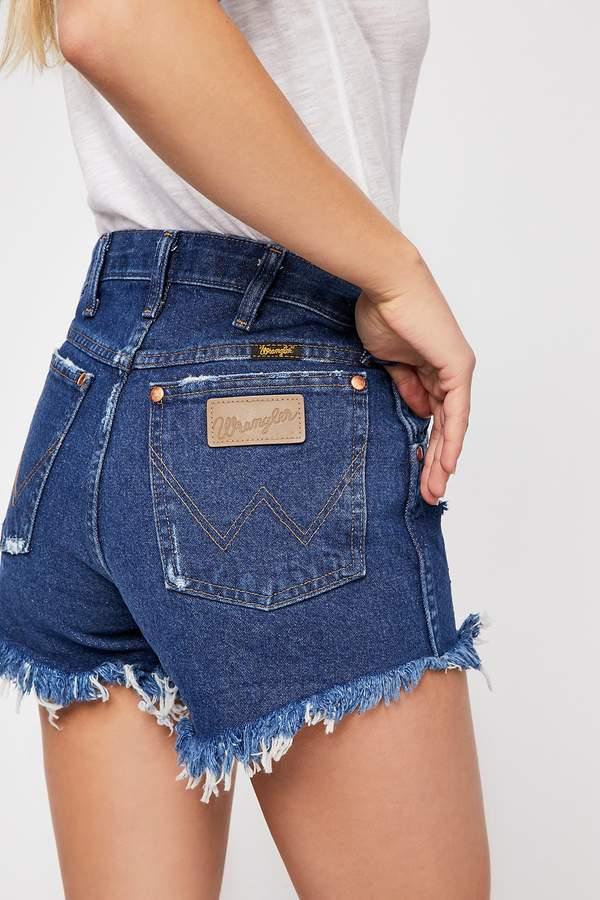 8091e600 Wrangler Heritage Denim Short in 2019 | CLOSET | Denim shorts, Denim ...