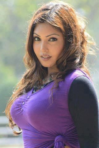 Beautiful aunties hot pics