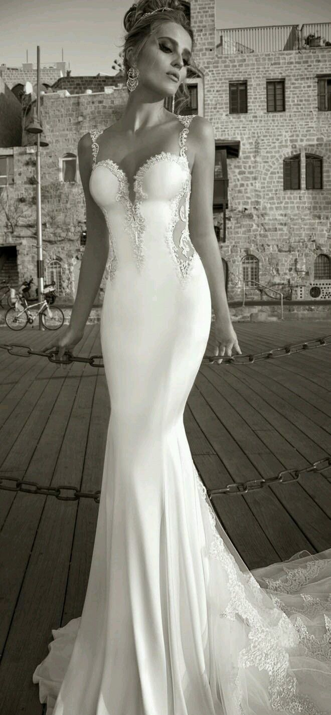 Spaghetti straps sleeveless backless mermaid bridal wedding dress