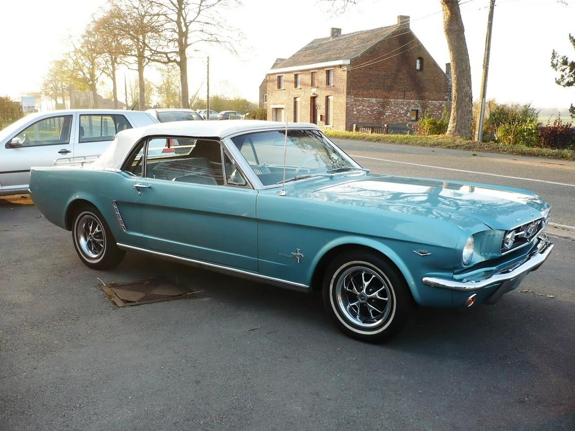 Classic beauty at it\'s best! 1965 V8 289 CL Mustang Convertible ...