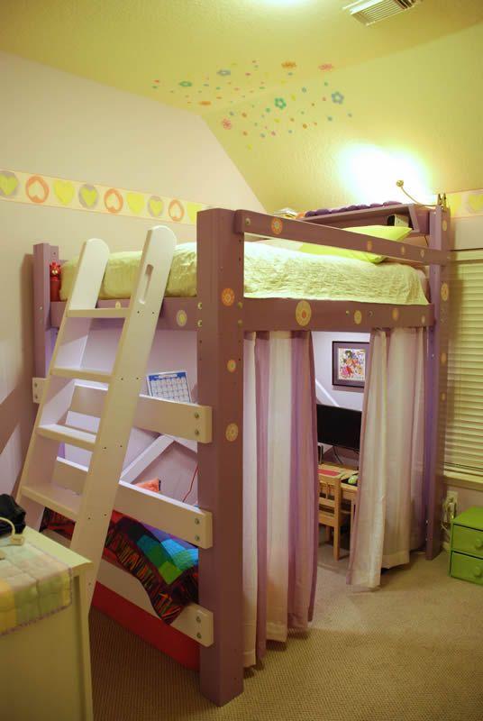 Girls loft bed girls loft bed lighted workspace ladder01 for Alcobas infantiles