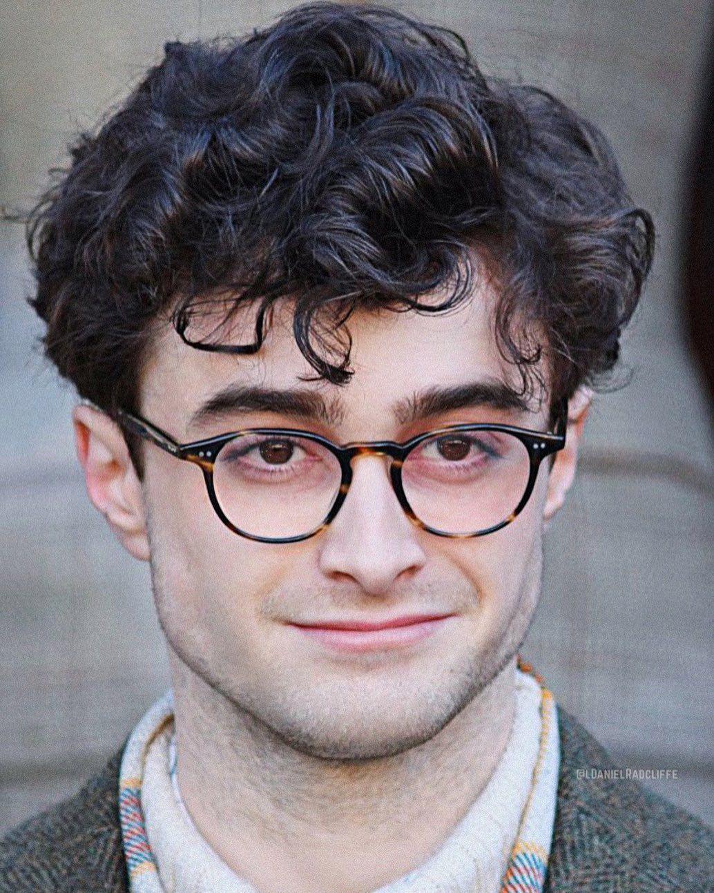 Daniel Radcliffe On Instagram Curly Hair Daniel Radcliffe Daniel Radcliffe Harry Potter Harry Potter Actors