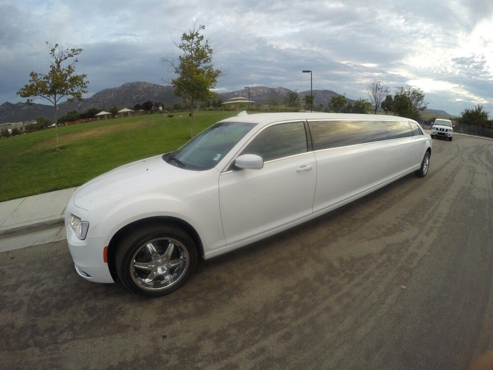 Limo service in long beach party bus limousine rental