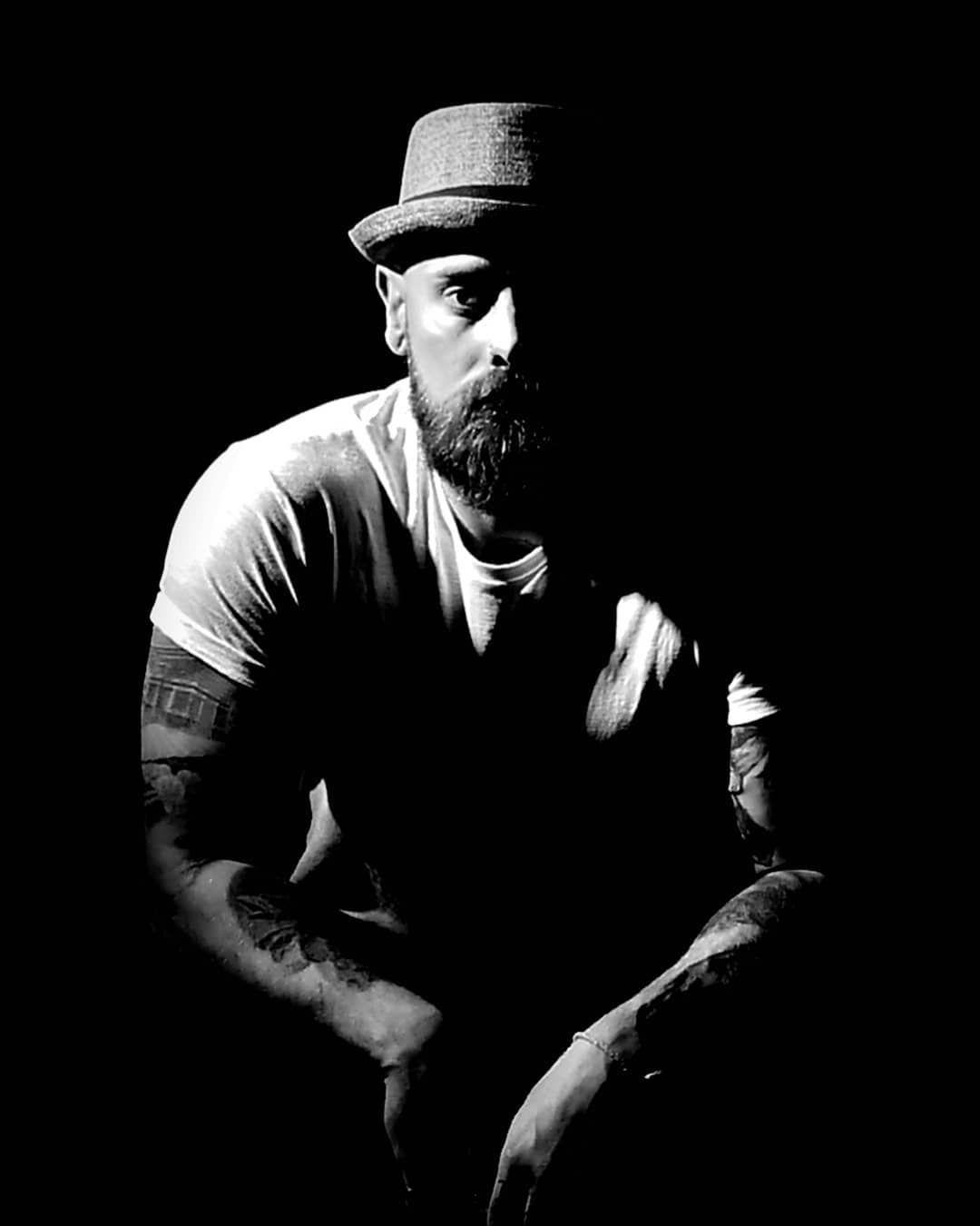 #creativephotography #peoplephotography #malemodel #malemodelsofinstagram #tattoos #tattooedmen #tattoosofinstagram #tattooedbodies #portraits #portraiture #maleportraits #portraitsofinstagram #creativeportraits #creativephoto #meanandmoody #blackandwhitephotography #blackandwhiteportraits #monochromephotography #blackandwhite #blackandwhiteoftheday #dailyportrait