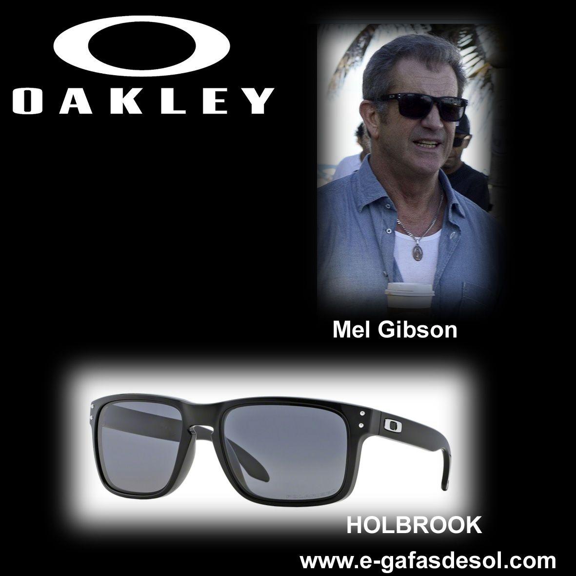 ec3bcd845d El actor y director de cine Mel Gibson con unas gafas de sol OAKLEY  Hollbrook 9102