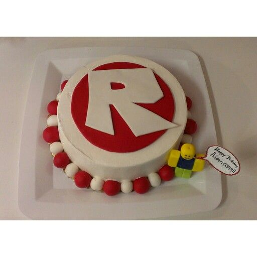 Roblox cake I made for my sons 9th birthday Party ideas