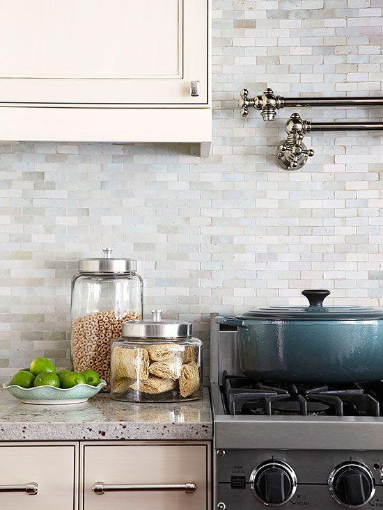 27 Ceramic Tiles Kitchen Backsplashes That Catch Your Eye