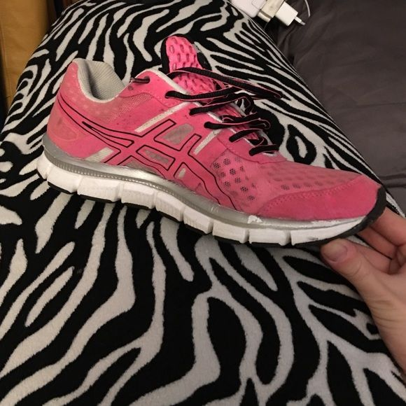 Gel-blur33 asics In good condition show a little wear from walking in them but still look great and are VERY comfortable asics Shoes Athletic Shoes