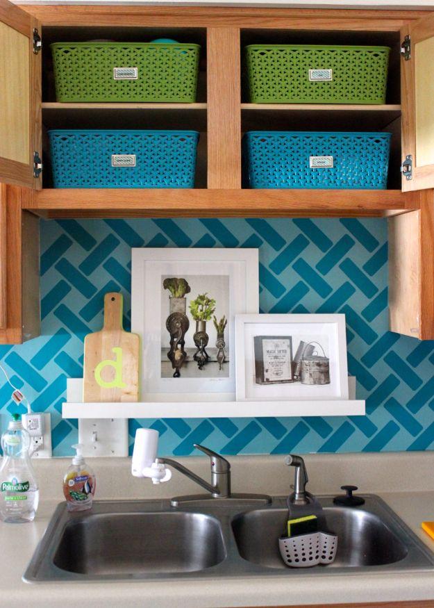 40 Diy Ideas To Get The Kitchen Organized Upper Kitchen Cabinets Diy Kitchen Cupboards Small Kitchen Organization