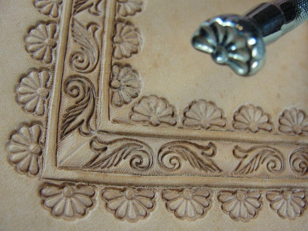 Vintage Craftool USA - #G603 7-Petal Border Stamp (Leather Stamping Tool)