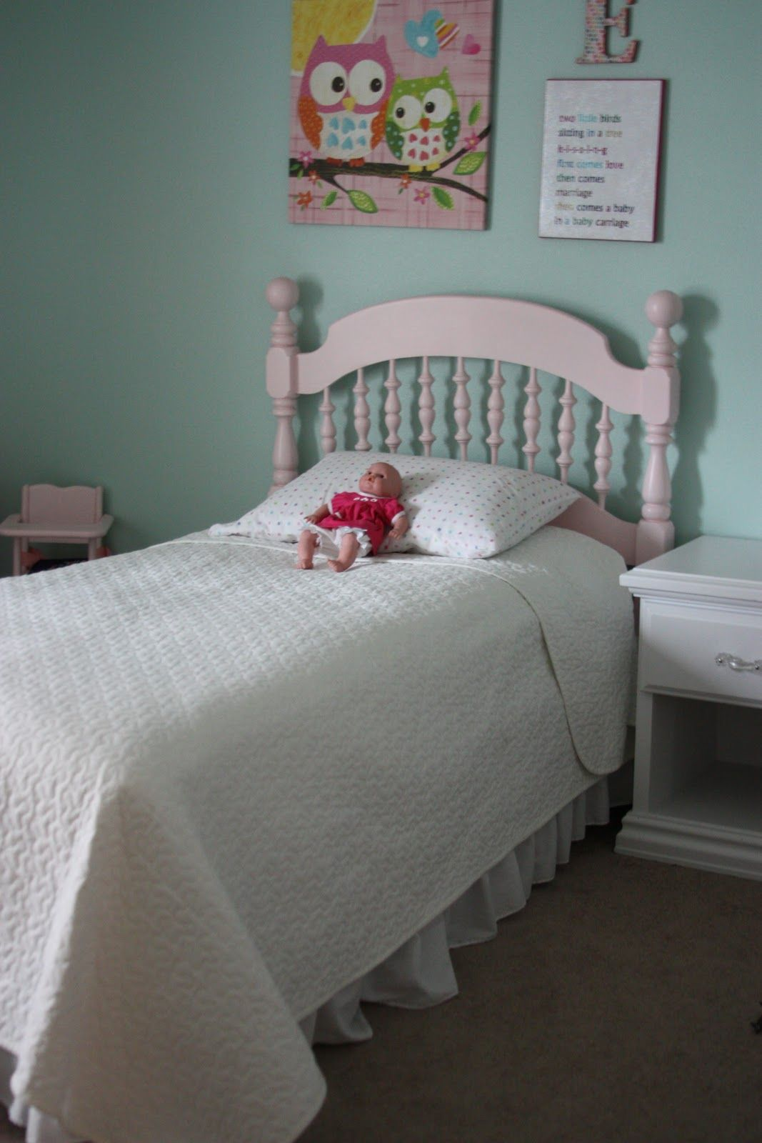 BeingBrook: Ellies big girl bed... Craigslist bed makeover ...