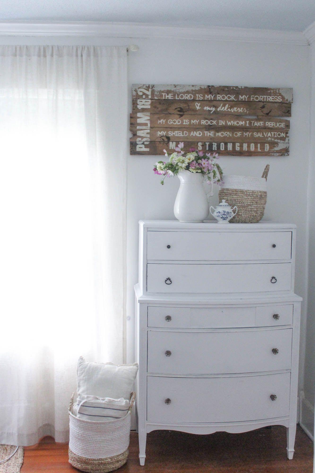 Summer Farmhouse Bedroom Tour | Chalk paint dresser, White chalk ...