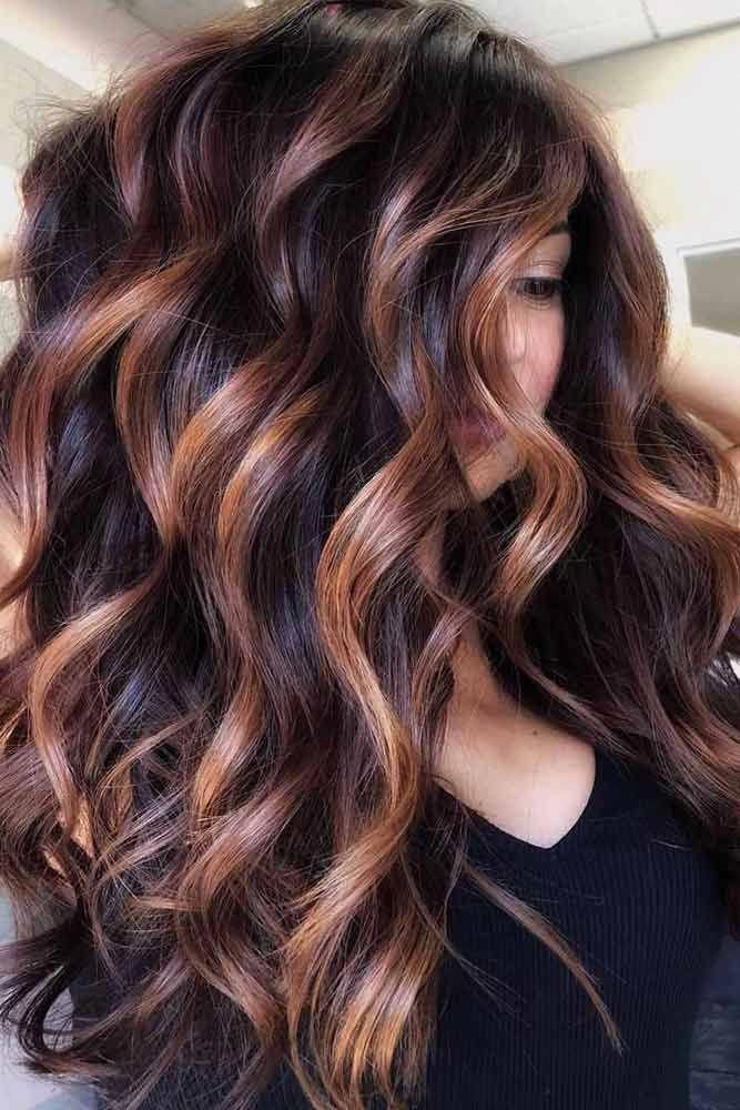 Side Parted Long Wavy Hairstyle Faceshapes Heartface All Face Shapes Need A Personal Approach When It Long Wavy Hair Brunette Hair Color Red Balayage Hair
