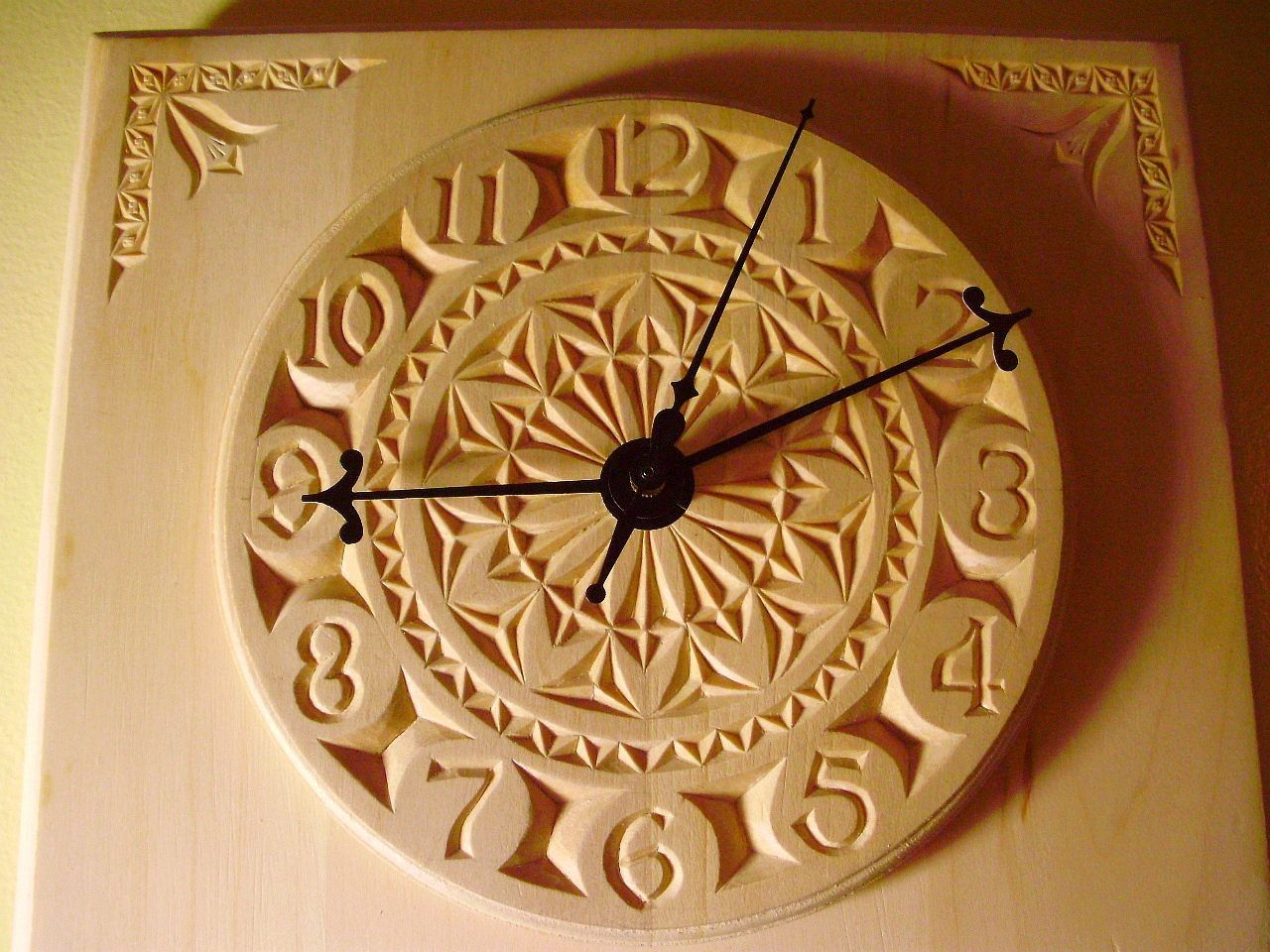 Beautiful personalized chip carved clock things