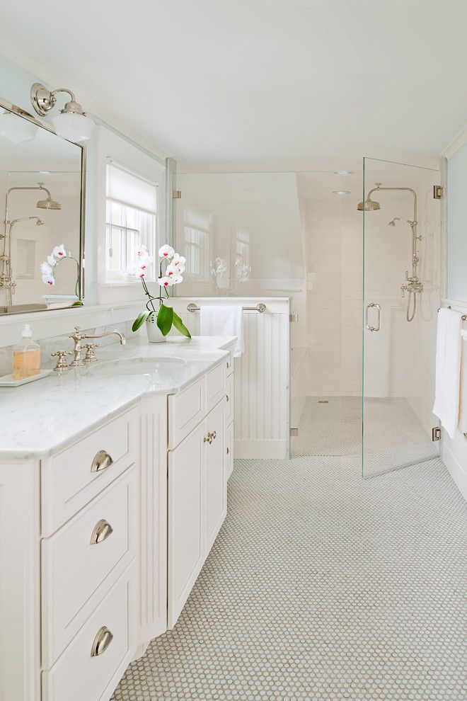 Elegant Cottage Style Bathroom With Walk In Shower Bathrooms