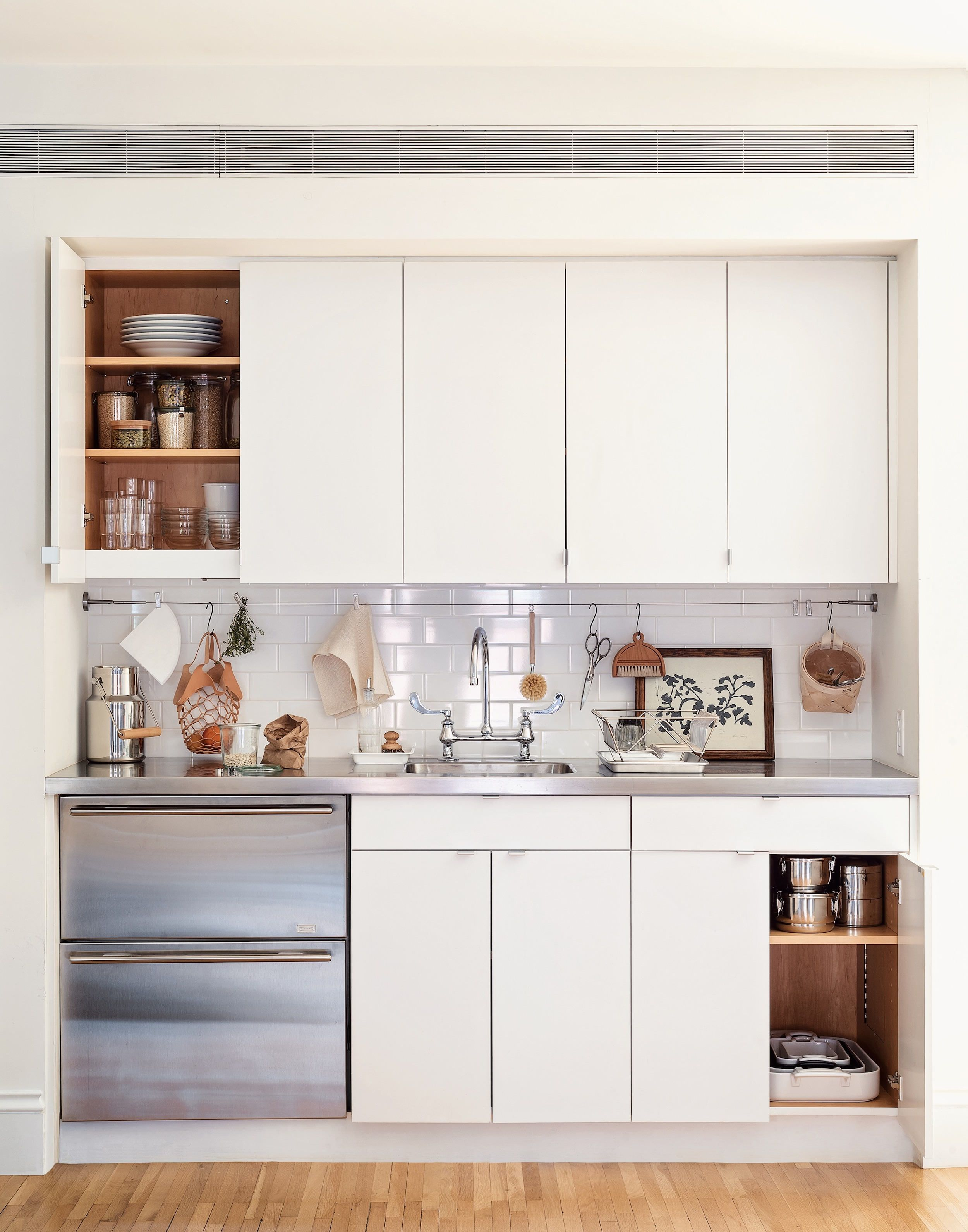 5 Space Saving Ideas To Steal From A Brooklyn Kitchen Ikea Hack Included In 2020 Brooklyn Kitchen Kitchen Bar Design Tiny Kitchen