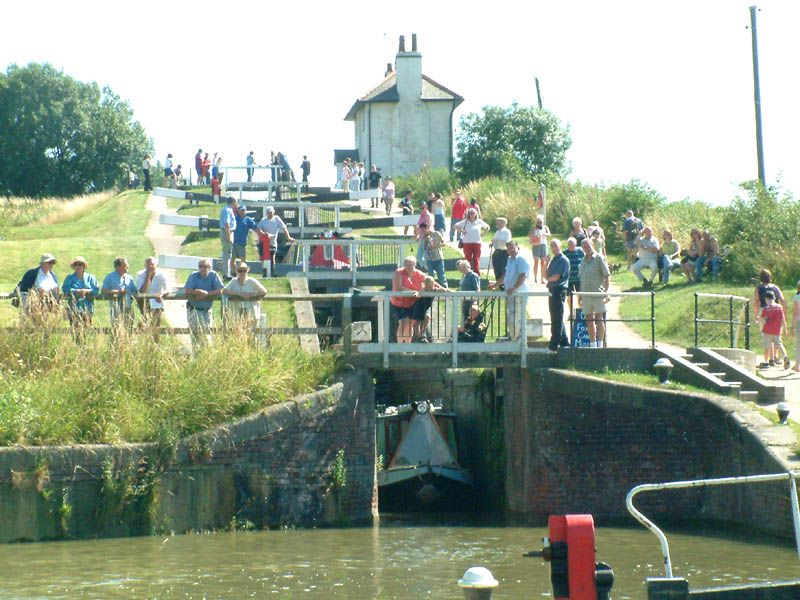 Foxton Staircase Locks A Bit Daunting For Our First Ever Set Of