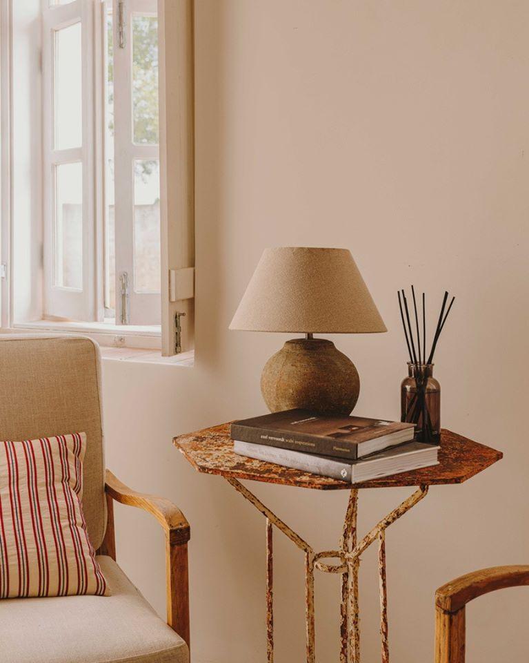 Meuble Tv Vintage 2 Portes Blanc Satine Riverside Maisons Du Monde Decoracion De Muebles Muebles Decoracion De Unas