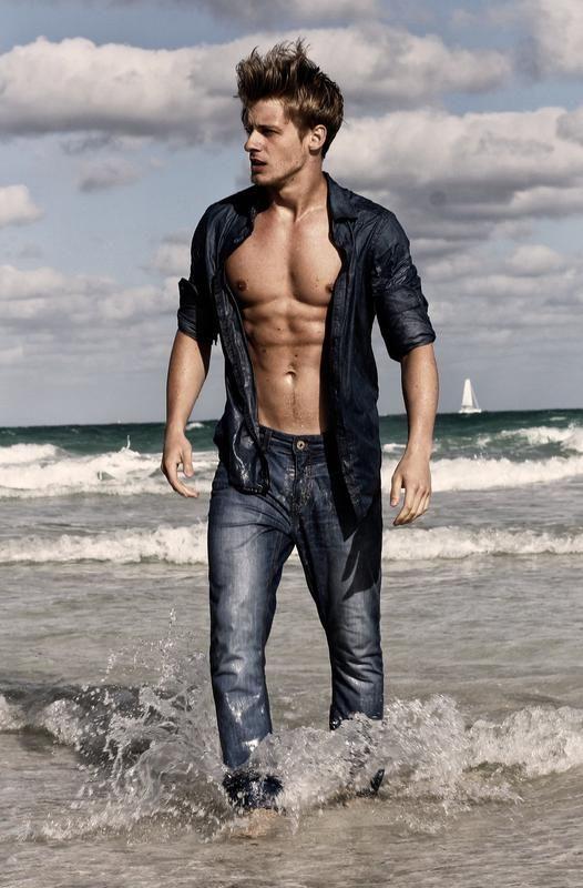 帅模 Renan Corbani - 歐美激情 - TT1069同志貼圖交友網 - Free Gay Forum