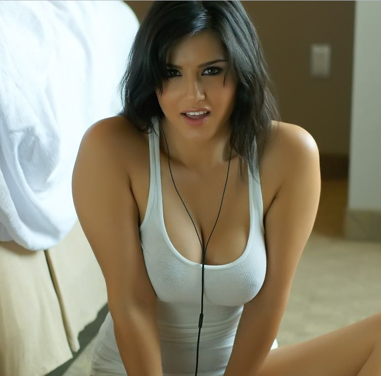 Sunny Leone Hot Boobs Show  Projects To Try  Pinterest -8318
