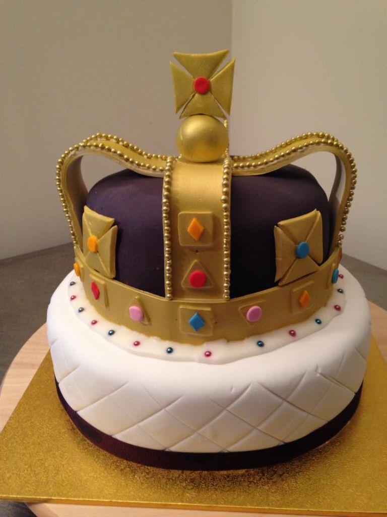 Weircakes Queen Birthday Crown Cake Royal