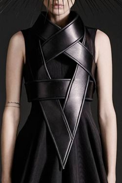 Gareth Pugh spring/summer 2015  http://photographicpictures.tumblr.com/tagged/leather