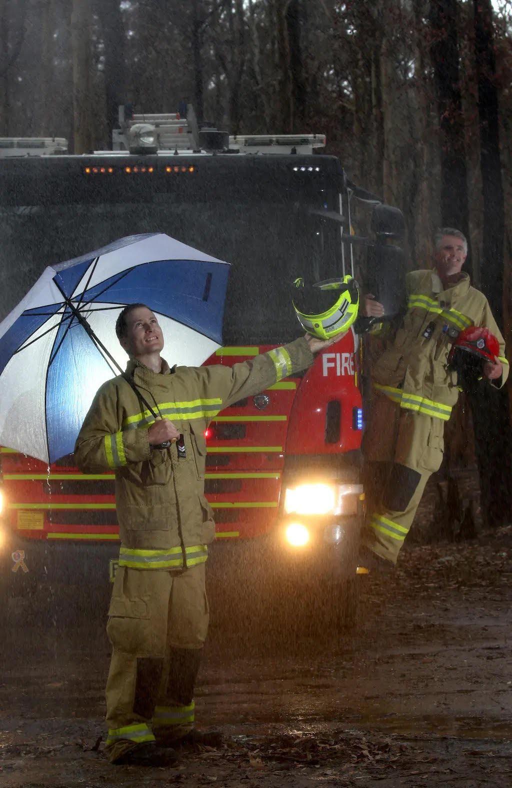 PsBattle Firefighters in Australia in the rain. in 2020