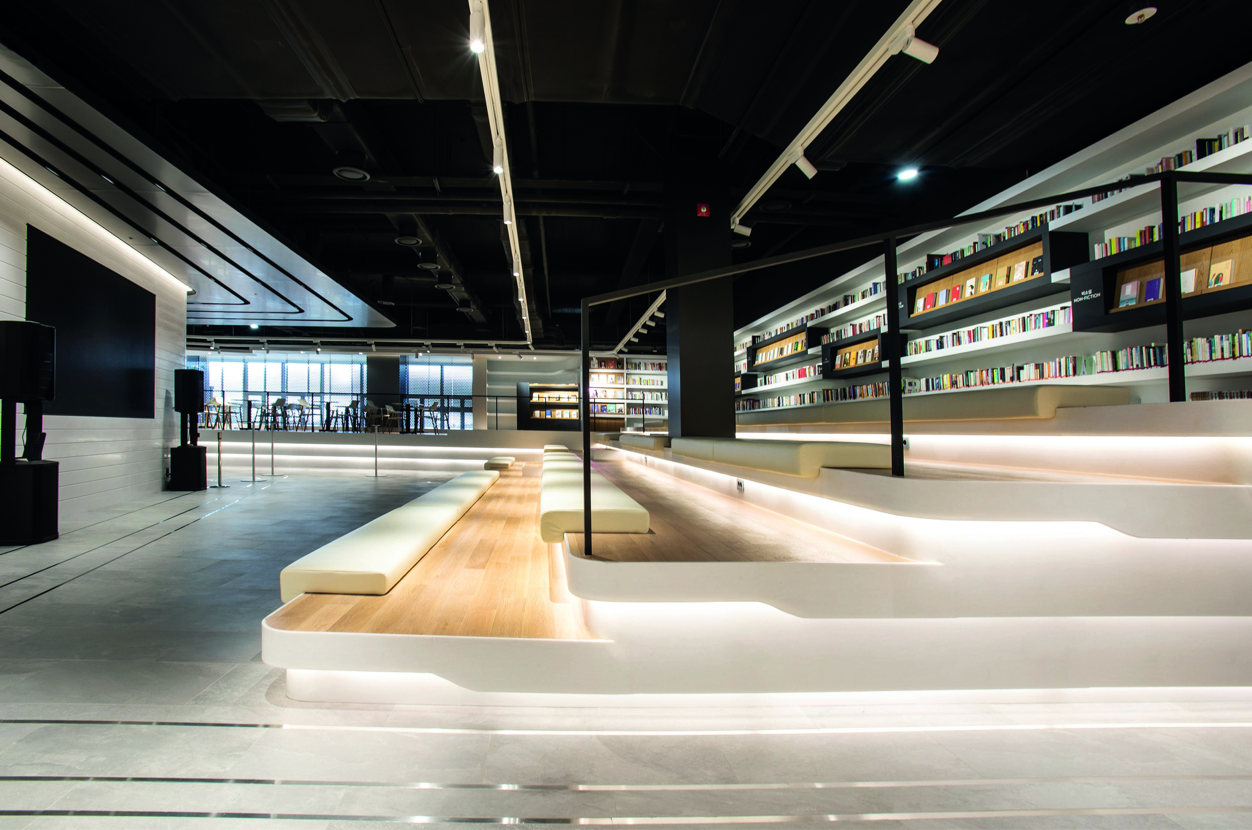 Hyundai L C Usa Retail Design Hanex Solid Surfaces By Hyundai L C Usa Can Be Used In Numerous Interio Retail Design Commercial Interior Design Flooring Sale