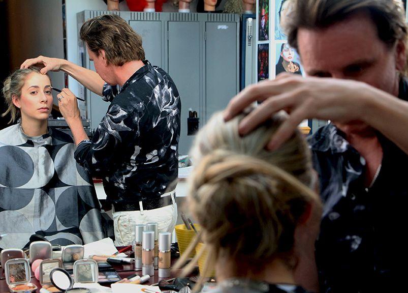 après le Makeup show de New-York  perfectionnement maquillage avec Yves LeBlanc prêt pour ma collection maquillage automne/ hiver 2017/2018 Merci Yves pour tes précieux conseils