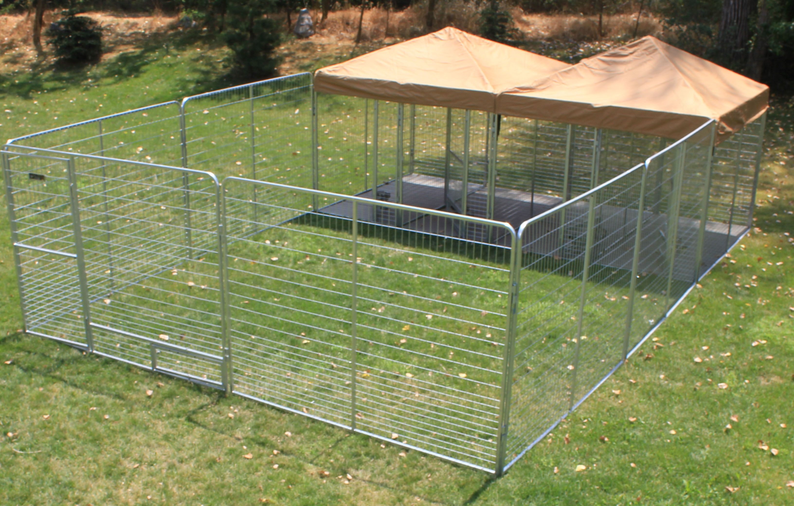 4x8 Multiple X 4 With 16x16 Play Zone For The Dogs To Play