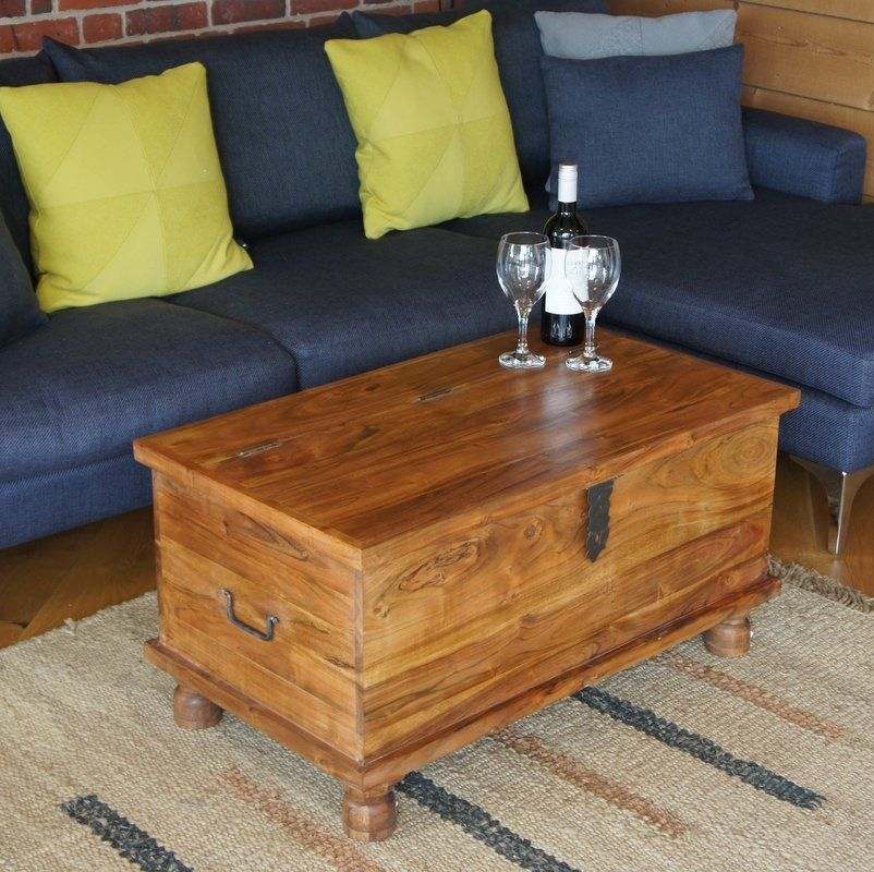 Trunk Coffee Tables As The Natural Decoration