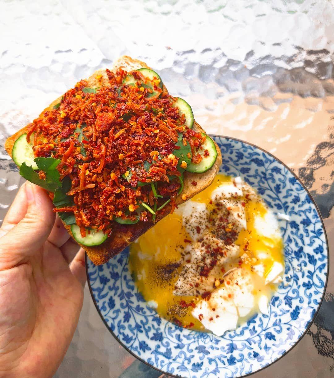 Terasa Nak Makan 1 Keping Roti Wholemeal Bakar Dengan Sambal Bilis Guna Karachi Bilis Salad X De No Hal Kita Letak Timun Je Avocado Toast Food Avocado Egg