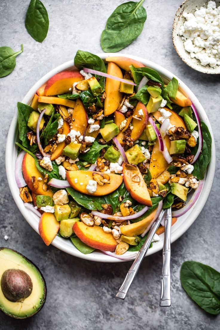 Summer Peach Spinach Salad with Avocado, Toasted Almonds + Goat Cheese #summerdinnerseasy