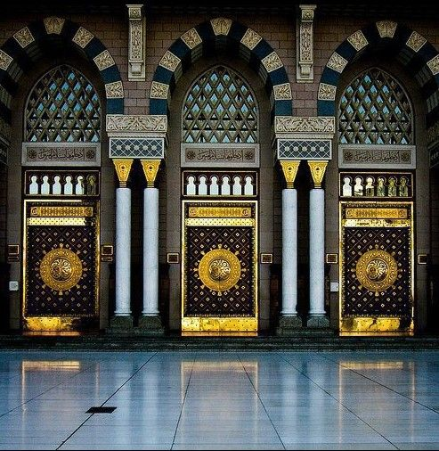 The entrance door of the Kaaba (the house of Allah) is on the eastern side. Primitively it was at umrah 2016 ground level not above but raised when\u2026 & The entrance door of the Kaaba (the house of Allah) is on the ...