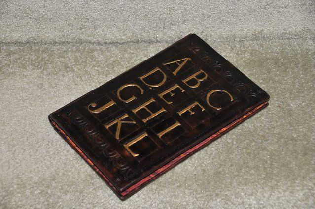 How-to instructions for making Leonardo Leather Kindle case