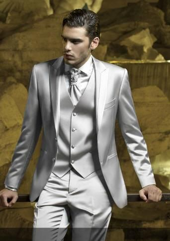 8b09e9863d3 Groomsmen Suits Silver Wedding Suits For Men Groom Tuxedos Peaked Lapel  Best Men Suits Two Button Three Piece Suit Jacket+Pants+Vest+Tie Mens  Dinner Jackets ...