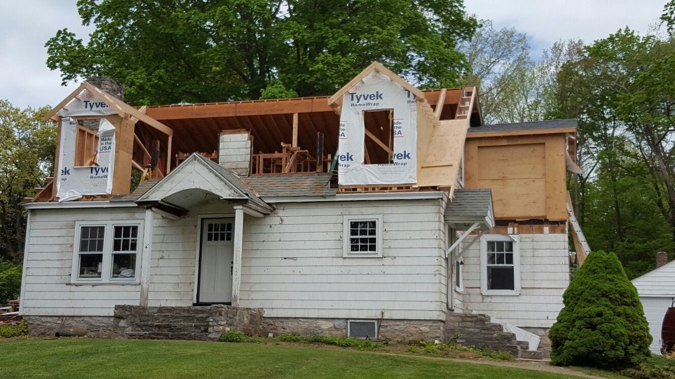 Removal Of Most Of Front Roof And The Beginnings Of A Nantucket Dormer 5 19 16 House Exterior Cape House Best House Plans