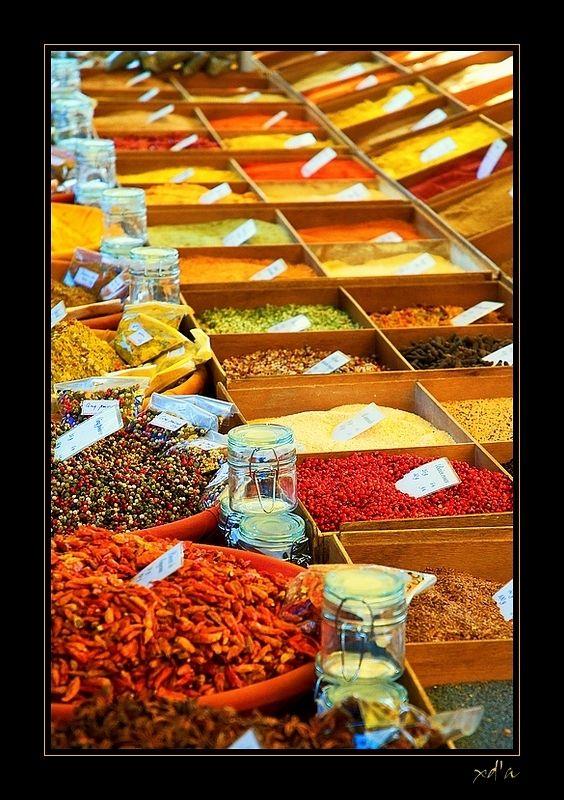 Le marché des épices through the eyes of xavshot