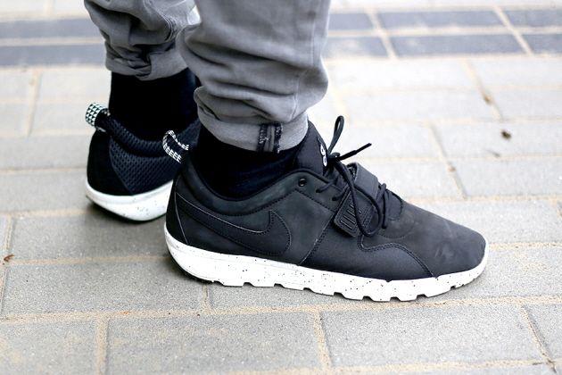 Nike Trainerendor – Black / Black. Interesting features throughout.