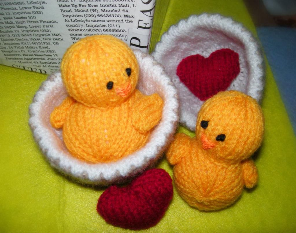 Free Knitted Amigurumi : Project cupid knitted chicks and heart free knitting