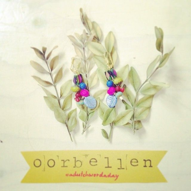 #adutchwordaday {day 316} Oorbellen - Earrings adutchwordaday.tumblr.com  (Earrings by Handcraft Stories facebook.com/handcraftstories)